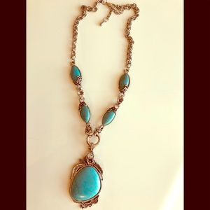 Beautiful antique looking turquoise necklace